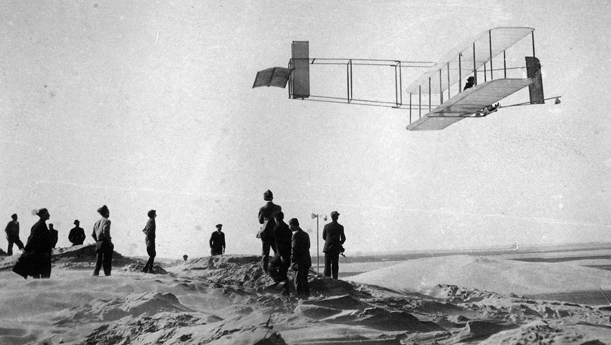 the origins of human flightthe wright brothers A history of the wright brothers first airplane flight in 1903.